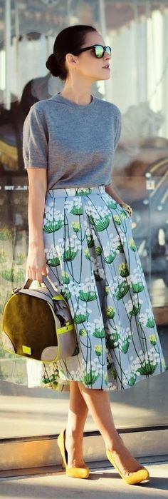 I love the idea of this. I want to make my own skirts and I love the shape of the bag and pop of color with the shoes.