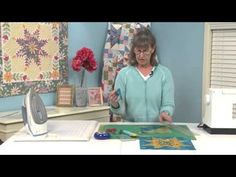 YouTube Star Quilt Blocks, Star Quilt Patterns, Star Quilts, Quilting For Beginners, Quilting Tutorials, Sewing Tutorials, Quilting Ideas, Quilt In A Day, Mccall's Quilting