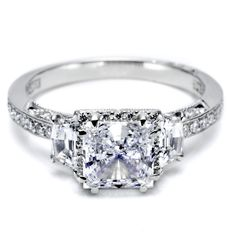 Platinum engagement ring - Princess Dantela