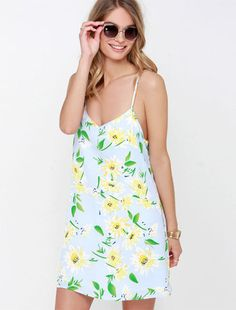 You'll feel as pretty as a painting in the Tournesols Light Blue Floral Print Dress! White and yellow flowers bloom across blue fabric to create a perfect print atop a swing bodice! Prom Dresses For Sale, Short Dresses, Summer Dresses, New Fashion Trends, Fashion News, Most Beautiful Dresses, Cocktail Dress Prom, Yes To The Dress, All About Fashion