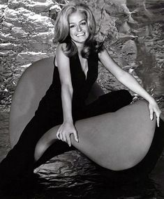 Remembering Farrah Fawcett (1947-2009) The actress was born on Feb. 2, 1947, in Corpus Christi, Texas. It wasn't until the late '60s and early '70s when Fawcett took to acting and began doing commercials -- including Wella Balsam shampoo -- and TV guest spots.