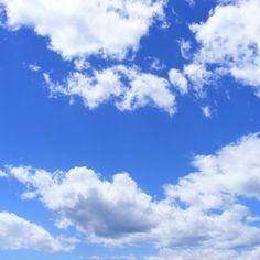 Natureza do verão dia as nuvens do céu fofo