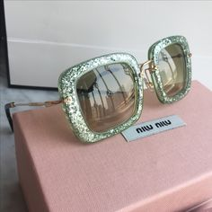 60f3381dd9 NEW Gucci Glitter Sunglasses From Current Gucci Collection - comes ...