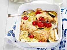 Helppo ja herkullinen kanaruoka valmistuu uunissa yllättävän nopeasti. Nauti tomaatin tuoksusta ja parmesaanin mausta, Välimeren mauista.