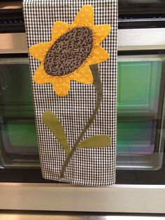 Dish towel Dish towel Dish towel Dish towel – Cute and Trend Towel Models Dish Towel Crafts, Dish Towels, Tea Towels, Hand Towels, Sewing Appliques, Applique Patterns, Applique Ideas, Fabric Crafts, Sewing Crafts