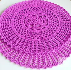 pembe tığ işi supla modeli You are in the right place about ganchillo Crochet Here we offer you the most beautiful pictures about the Crochet. Crochet Bolero Pattern, Crochet Tablecloth Pattern, Free Crochet Doily Patterns, Crochet Placemats, Crochet Doily Diagram, Filet Crochet, Crochet Motif, Crochet Designs, Crochet Doilies