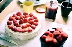 Strawberry and whippedcream birthdaycake