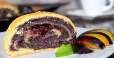 Štrúdla recept Hamburger, Ethnic Recipes, Sweet, Basket, Candy, Burgers