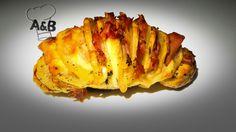 Le Patate Farcite al Forno (Patate Hasselback) sono un tipico piatto della cucina svedese. Contorno perfetto e ideali da gustare accompagnate da una salsa, le patate hasselback hanno una crosta croccante e un cuore morbido al loro interno. #patate #patatefarcite #potatoes #patatehasselback #hasselbackpotatoes #ham #prosciutto #cheese #formaggio #foodporn #recipe #cooking