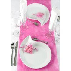 Chemin de table Diamant orné de petits diamants de décoration en 6 couleurs pour déco de table mariage et fêtes.