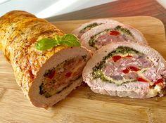Pieczeń świąteczna Pyszna i kolorowa rolada schabowa faszerowana mielonym mięsem, żółtym serem i warzywami. Wspaniale smakuje zarówno na ciepło, jak i jako zimna przekąska. Polecam!   Składniki: 1,5 kg schabu bez kości 0,5 kg wieprzowego mięsa mielonego (najlepiej grubo mielonego) 1 pęczek pietruszki pół czerwonej papryki pół czerwonej cebuli 4 – 6 plasterków żółtego … Pork Recipes, Cooking Recipes, Homemade Sandwich, Kebab, Good Food, Yummy Food, Vegetable Casserole, Xmas Food, Polish Recipes