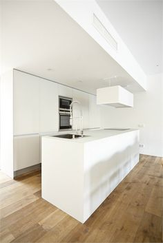 House 1 - Single House in Quesa - Quesa, Spain - 2012 - DOT PARTNERS #design #kitchen #white #minimal