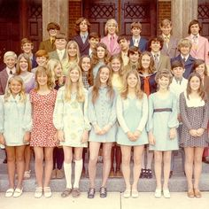 Found this while doing research for our next issue. Want every single outfits on the front row. 1960s Fashion, Vintage Fashion, Twist And Shout, In My Feelings, Pretty Cool, Front Row, The Row, 1970s, Magazine