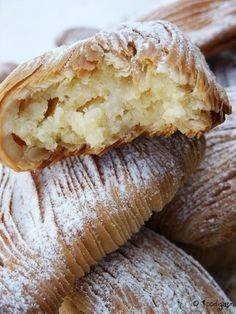 my favorite pastry in the world! Hard to find unless an Italian bakery is nearby. Italian Bakery, Italian Pastries, Sweet Pastries, Italian Desserts, French Pastries, Italian Dishes, Italian Cookies, Pastry Recipes, Baking Recipes