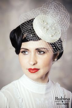 This is an elegant ivory bridal pillbox hat fascinator with birdcage veil. This fascinator is hand made using traditional millinery techniques. Ivory Fascinator, Bridal Fascinator, Bridal Hat, Fascinator Hats, Fascinators, Wedding Headpiece Vintage, Wedding Hats, Wedding Ideas, Fall Wedding