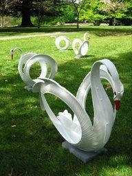 (Pb) Garden: DIY Crafts on Pinterest | @djohnisee ~ PIC:  DIY YARD GARDEN ART ~ Swans created from recycled tires.