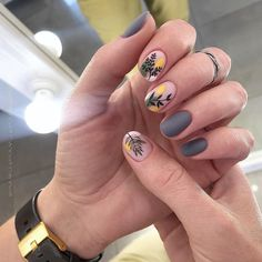 35 Trendy Manicure Ideas In Fall Nail Colors Inspired - Perfect Nail Colors For Fall ❤ Trendy Manicure Ideas In Fall Nail Colors 2019 Inspired ❤ See - Stylish Nails, Trendy Nails, Cute Nails, Cute Nail Art, Minimalist Nails, Hair And Nails, My Nails, Nail Art Noel, Nail Tips