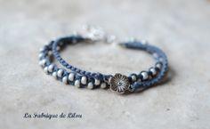 Bracelet macramé avec perles et connecteur fleur