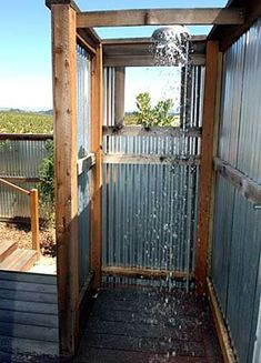 fully enclose it and put rock floor and water pale shower head and it would be a. fully enclose it and put rock floor and water pale shower head and it would be a pretty awesome outhouse shower Outdoor Baths, Outdoor Bathrooms, Outdoor Tub, Rustic Bathrooms, Chic Bathrooms, Rustic Outdoor, Outdoor Decor, Outside Showers, Outdoor Showers