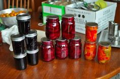 Serious Eats Beginner's Guide to Canning Ready to finally start canning? Here is your primer complete with what you'll need to start canning, the mechanics of canning, troubleshooting when something funky happens, and a little bit of history. Canning Tips, Home Canning, Canning Recipes, Easy Canning, Canning Process, Canning Food Preservation, Preserving Food, Conservation, Canned Food Storage