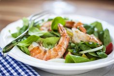 Baby Spinach Salad with Shrimp Succulent grilled shrimp and baby spinach served with a creamy sesame dressing. Shrimp Salad, Grilled Shrimp, Barbecue Recipes, Grilling Recipes, Baby Spinach Salads, Bbq Party, Tasty, Diet, Vegetables