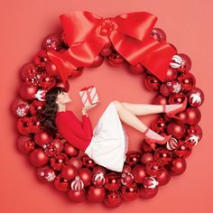 The Best Black Friday & Cyber Monday Beauty Deals To Look Out For - IngridMadisonAve Christmas Campaign, Christmas Fashion, Christmas Love, Xmas, Holiday Gift Guide, Holiday Gifts, Holiday Logo, New Year Art, Best Black Friday