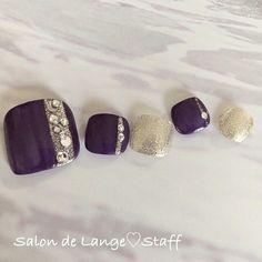 Toe nail art with jewels? Pedicure Nail Art, Pedicure Designs, Toe Nail Designs, Toe Nail Art, Nail Manicure, Pretty Toe Nails, Pretty Toes, Love Nails, Colorful Nail Designs