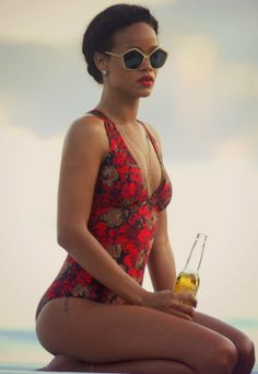 """Cute retro bathing suit!    """"Rihanna And Her Sexy Curves Flaunt In A Red Floral Swimsuit"""""""