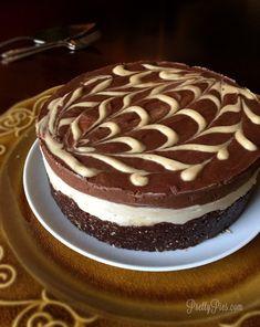 Peanut Butter Cup Cheesecake {Vegan/ Dairy-Free, GF} | Pretty Pies