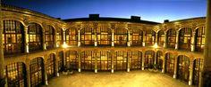 #Patio interior al aire libre en el #Parador de #Zamora #cocktel #banquete #noches #magicas
