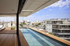 Tel Aviv Townhouse / Pitsou Kedem Architects http://www.arquitexs.com/2014/05/arquitectura-casa-Tel-Aviv-Townhouse-Pitsou-Kedem-Architects.html