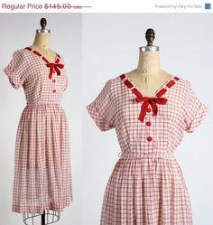 ON SALE 1940s Red Plaid Dress от VeraVague на Etsy