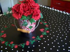 cherry table this is painted on the table top.....such a cute idea....looks like a table cloth!