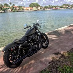 Harley-Davinson Sportster Iron 883 2016 Motocycle - It's amazing in Miami Beach