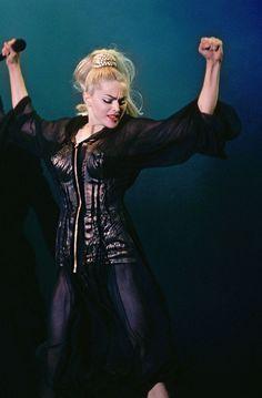 Madonna photographed by Neal Preston at the Blond Ambition Tour Madonna Rare, Madonna Music, Lady Madonna, Madonna 80s, Best Female Artists, Female Singers, Madonna Looks, Divas Pop, Queen