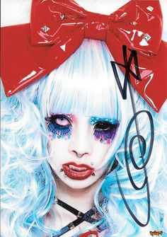 """sweettoxickiss: """" Koichi and Tsuzuku signed first with silver and then MiA and Meto signed with black =.= I was like really guys Brand X 2014/12/14 """""""