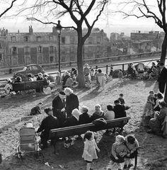 """Montmartre  Paris 1950s © Peter Miller """"Paris perdu et retrouvé"""