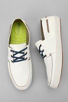 A sleek, trendy style to sneakers. Likin it!