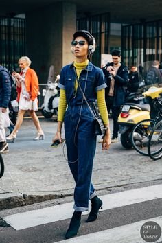 Lineisy Montero between the fashion shows. The post Milan FW 2019 Street Style: Lineisy Montero appeared first on STYLE DU MONDE Street Style New York, Street Style Women, Street Styles, Fashion 2020, Street Fashion, India Fashion, Japan Fashion, Style Outfits, Fashion Outfits