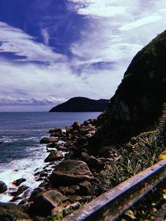 Montanhas da serra do mar no Gurujá.