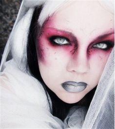 Maquillaje para Halloween de tonos rojizos