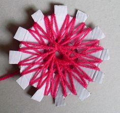 DIY flower loom - from plastic lid