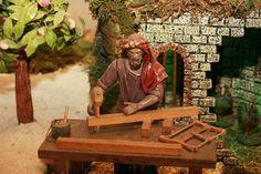 Os carpinteiros retratados no Maior Presépio do Mundo em movimento. Entrada livre, todos os dias das 8h as 24h.
