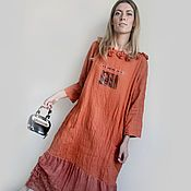 Купить или заказать Платье свободного кроя 'Панда7' в интернет-магазине на Ярмарке Мастеров. Богемное платье. Черный вечер. В бокале вино. И ты обнимаешь за плечи. Шикарное платье объемное и свободное из шерсти с шелком рогожевого переплетения , цвета пыльной дороги и юбкой в клетку. С черным трикотажем в отделке и милым принтом на лифе Панды.
