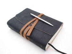 Tagebuch+aus+Leder+Notizbuch+Gästebuch+in+A5+von+Handgearbeitete+Geschenkideen+aus+Leder+auf+DaWanda.com