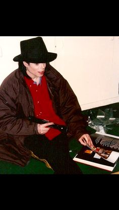 Michael Jackson 1991 - 2000 / In the studio Paris Jackson, Michael Jackson Rare, King Of Music, Jackson Family, Reaction Pictures, Rare Photos, Great Pictures, My Idol, Hipster