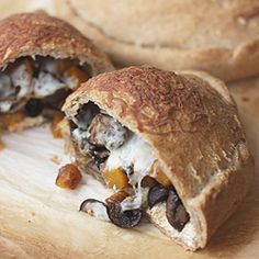 Delicious Roasted Butternut Squash and Mushroom Calzones! We just want to try this right now! Recipe courtesy of MyKitchenAddiction.com