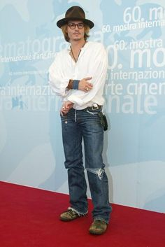 Relembre as tendências de moda entre as celebridades nos anos 2000