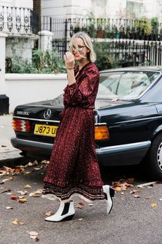 Midi dresses are the perfect go to item for any season these days. A midi dress can be layererd or simply worn on its own. White Cowboy Boots, Red Boots, The Frugality, Tights And Boots, New Mums, Midi Dresses, Comfort Zone, What I Wore, My Wardrobe