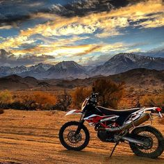 Some inspiration to get you pumped for a weekend adventure! Amazing 📷 by: @eat_sleep_moto_beer! Thanks for using #everide Motorcycle Adventure, Motorcycle Images, Dual Sport, Eat Sleep, Motorcycles, Around The Worlds, Beer, Photo And Video, Amazing